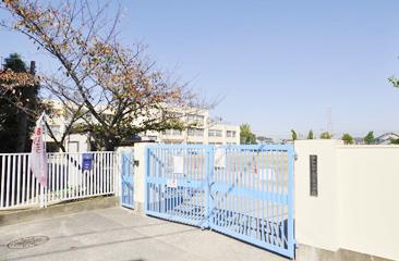岸和田市立常盤小学校 徒歩5分(下松町Ⅱ・Ⅲより)